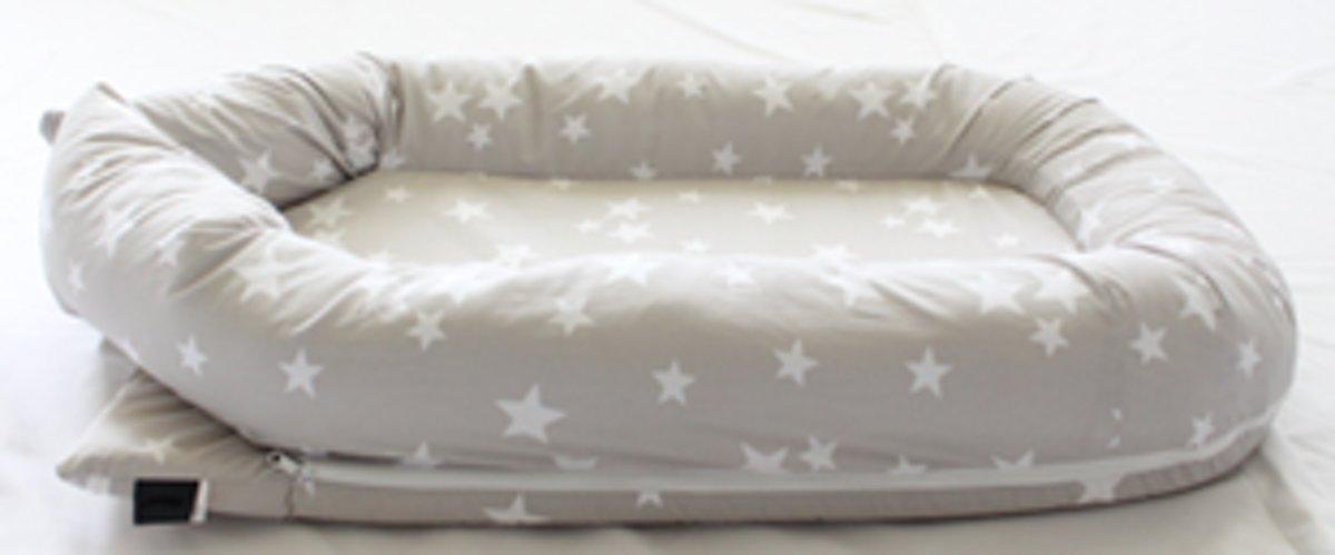 babynest -  baby mandje  sterren unisex