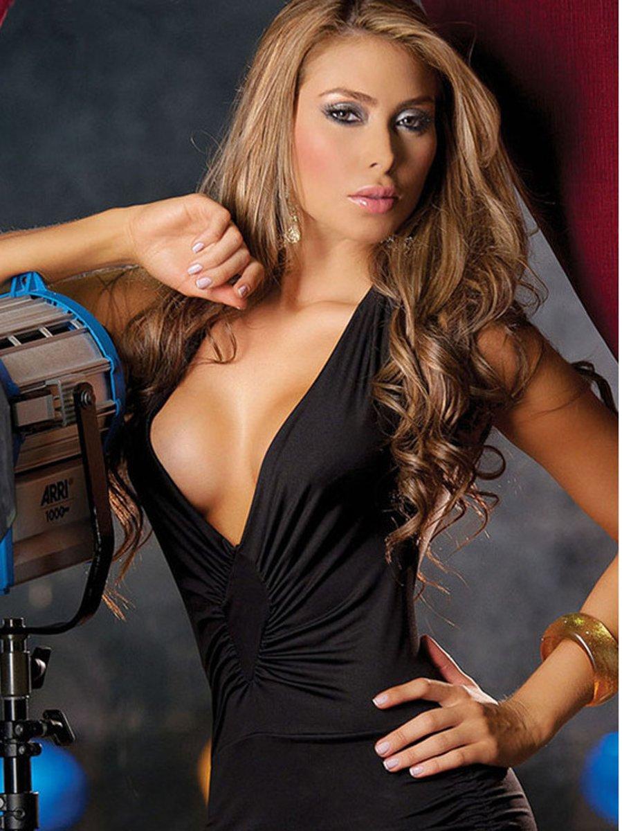 Foto van Body Pleasure - super sexy lingery - sensueel strak - jurkje - zwart - verpakt in super gave cadeau verpakking van body pleasure