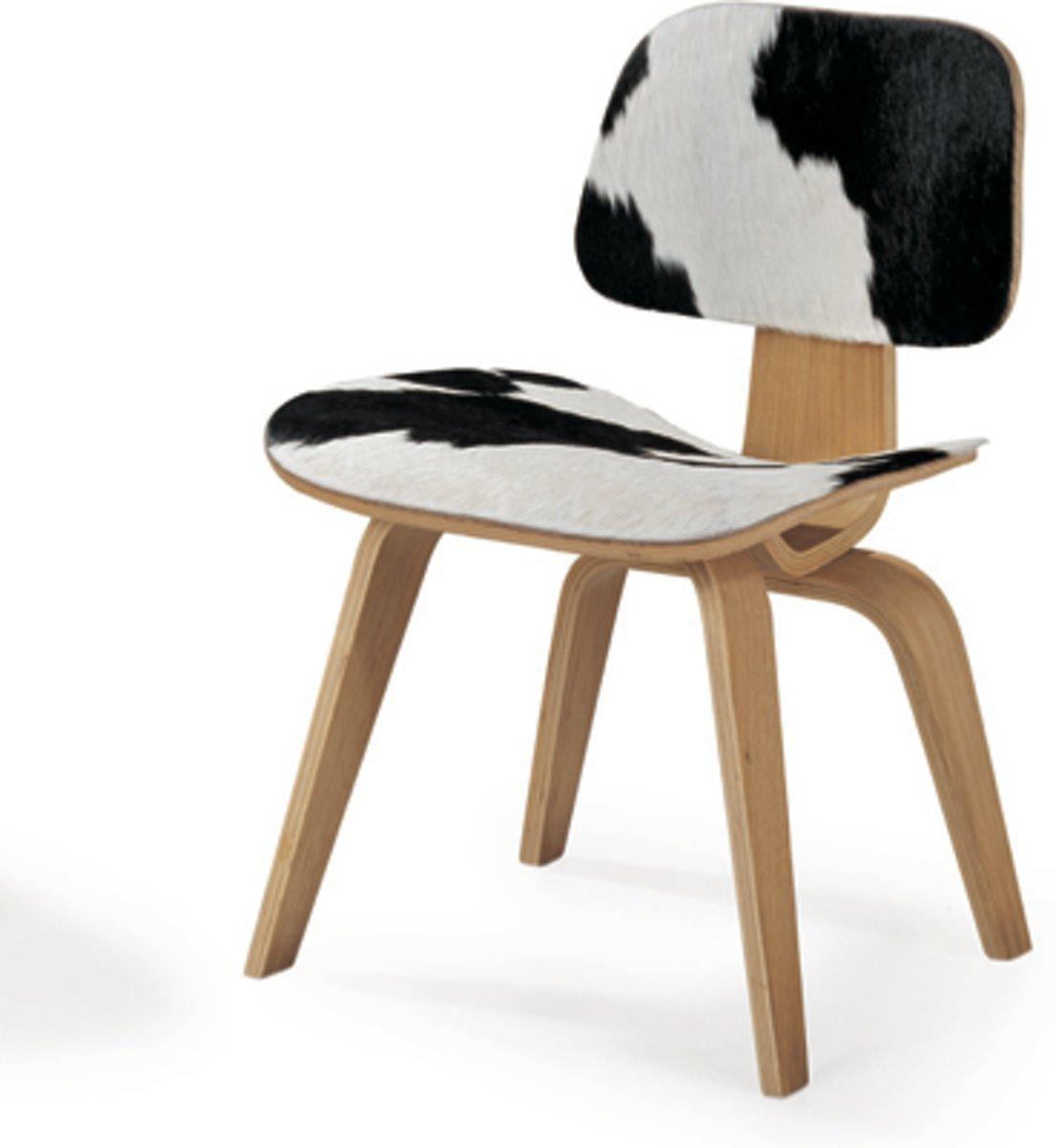lounge stoel LCW pony-huid Pony Skin Zwart Wit, eiken gekleurde houten frame kopen