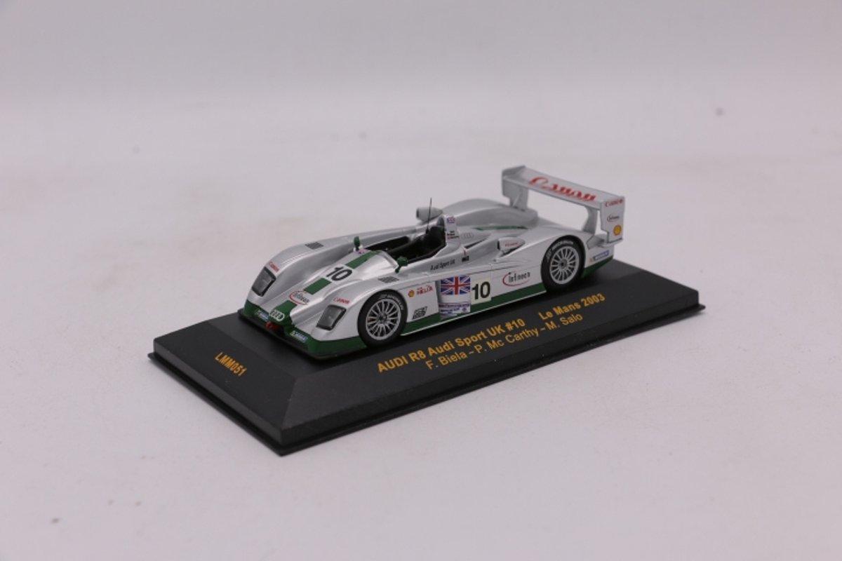 Audi R8 Audi Sport UK #10 Le Mans 2003  1:43 IXO Models Zilver / Groen LMM051