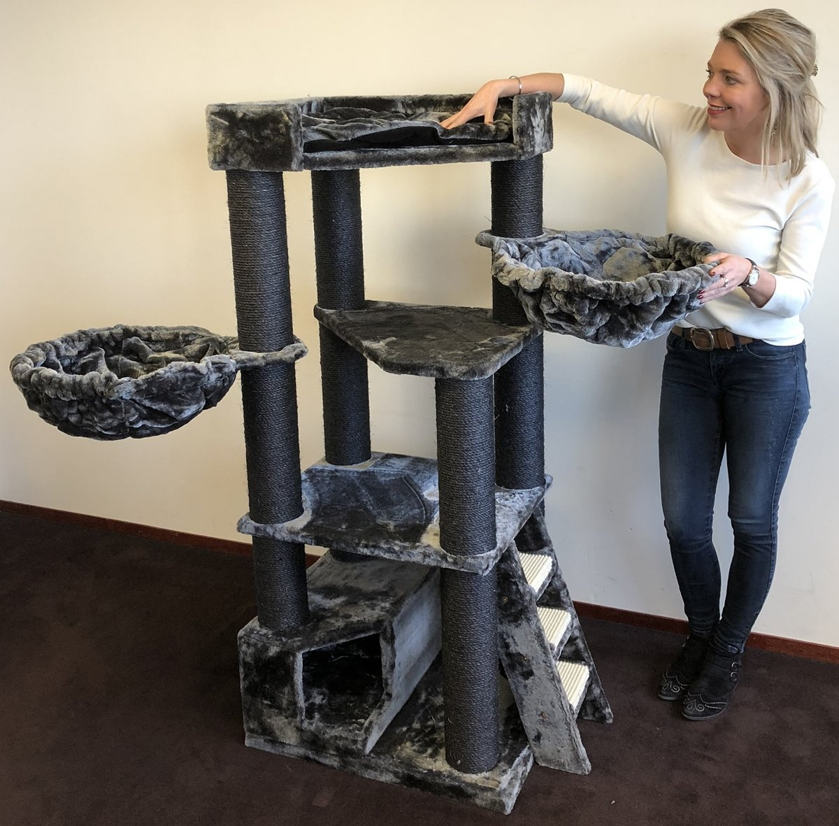 Krabpaal Corner Coon Blackline Donker Grijs voor grote katten van RHRQuality