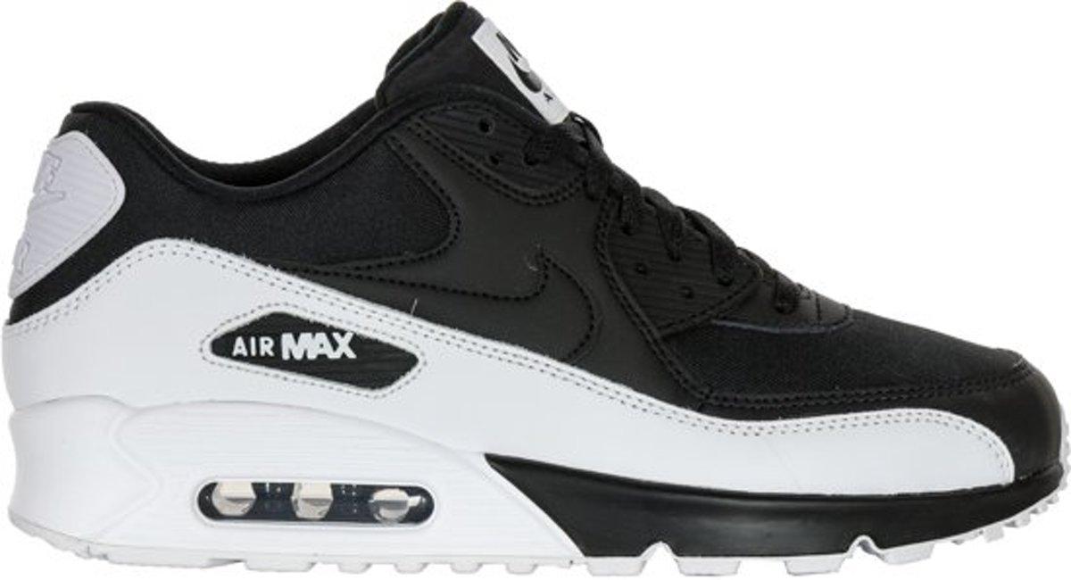 Nike Air Max 90 Essential ZwartWit 537384 082 Loopschoenen