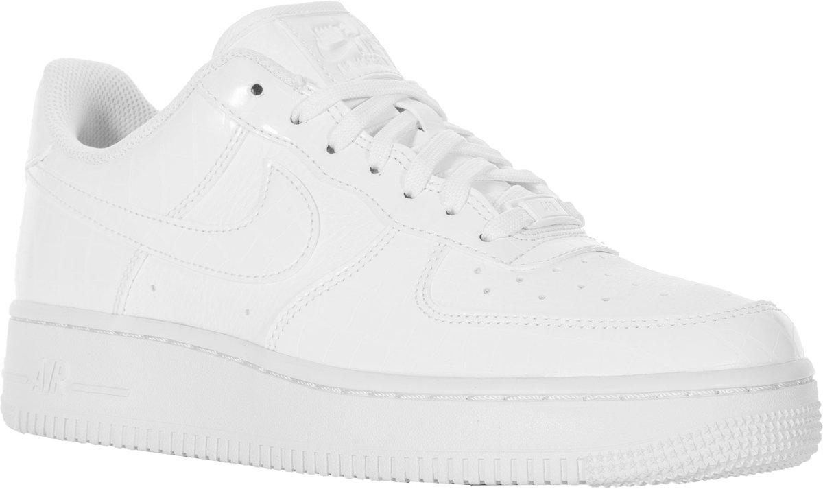 89d3e3be1713c bol.com | Nike Air Force 1 '07 Essential Sneakers - Maat 40.5 - Vrouwen -  wit