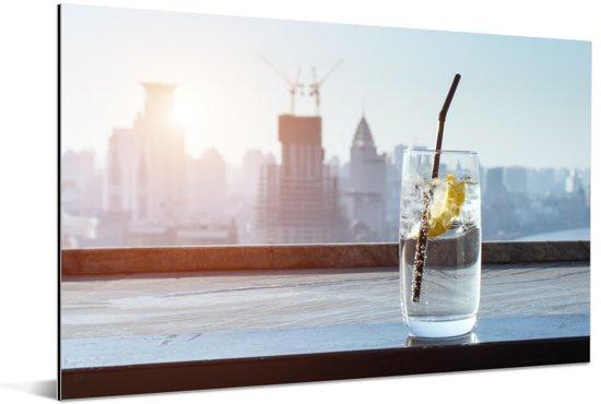 Drankje met citroen in het water Aluminium 30x20 cm - klein - Foto print op Aluminium (metaal wanddecoratie)