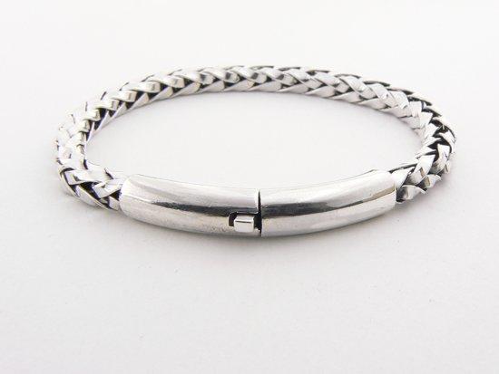 bol | gevlochten zilveren armband met kliksluiting - pols 18 cm