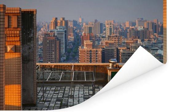 De eerste zonnestralen over de stad Taichung in Taiwan Poster 90x60 cm - Foto print op Poster (wanddecoratie woonkamer / slaapkamer)