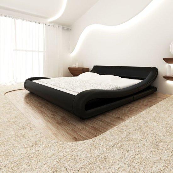 vidaXL Bed met traagschuimmatras 140x200 cm krul zwart kunstleer