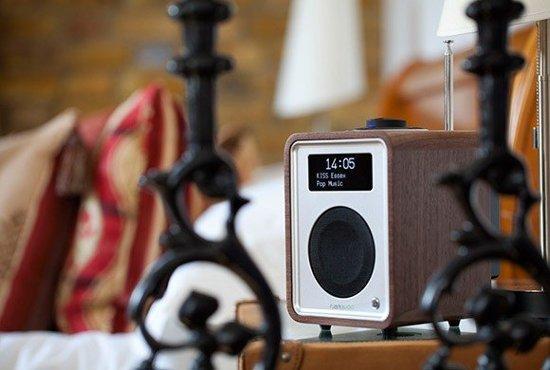 Ruark Audio R1 mk3 - tafelradio - DAB+ - Bluetooth - Walnoot