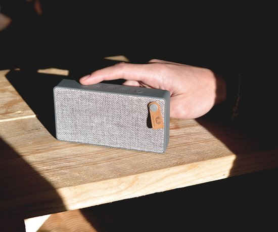 Fresh n Rebel Rockbox Slice Fabriq Edition Grijs