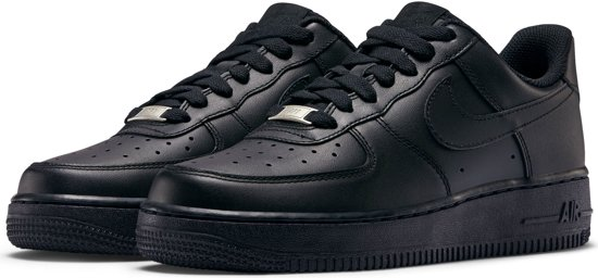 eb90202e3b6 Nike WMNS Air Force 1 '07 - Sneakers - Zwart - Dames - Maat 39