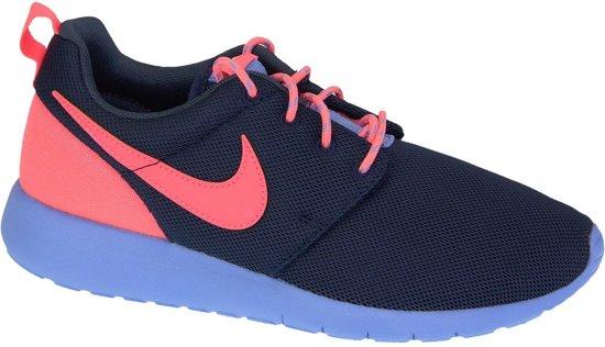 f8c0cfa7ad2 Nike Roshe One (GS) Sportschoenen - Maat 38 - Unisex - blauw/oranje