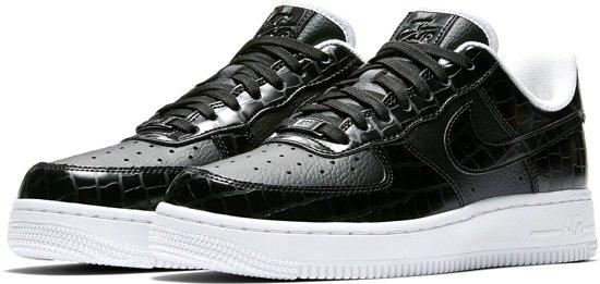 Nike Air Force 1 '07 Essential Sneakers - Maat 38.5 - Vrouwen - zwart