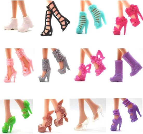 12 paar luxe modepoppenschoentjes met originele designs - Set schoenen, laarzen en pumps voor modepoppen