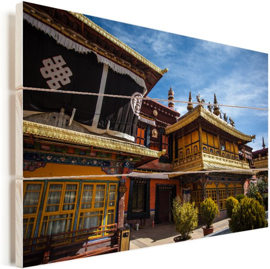 Voorkant van de Jokhang-tempel Tibet Vurenhout met planken 30x20 cm - klein - Foto print op Hout (Wanddecoratie)