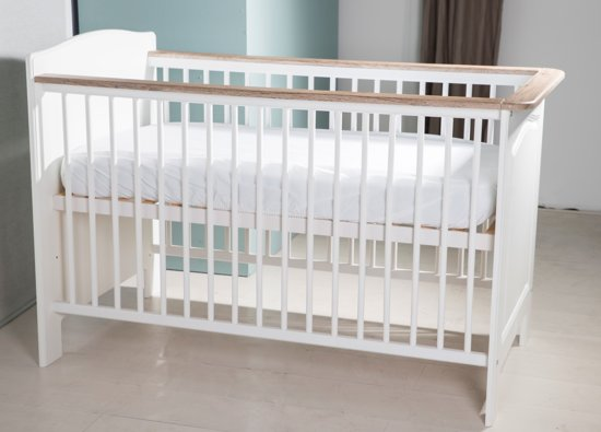 Wanneer Van Ledikant Naar Bed.Bol Com Bebies First Babykamer Tamara Ledikant Wit