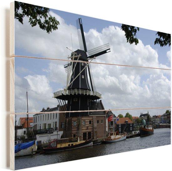 Historische molen in de Nederlandse stad Haarlem Vurenhout met planken 30x20 cm - klein - Foto print op Hout (Wanddecoratie)