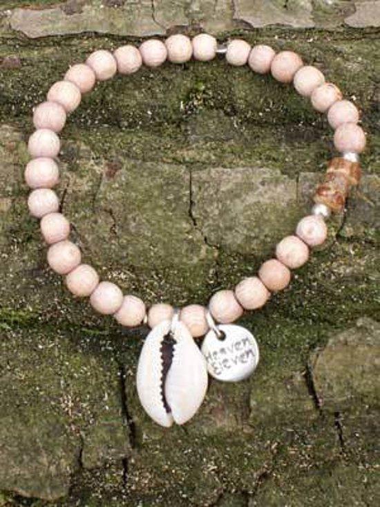 Heaven Eleven - Naturelkleurige kralenarmband met schelp