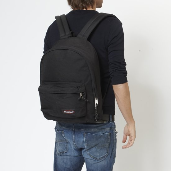 0d7007642ae ᐅ • Eastpak Out Of Office Rugzak - 14 inch laptopvak - Black - Boeken Spot