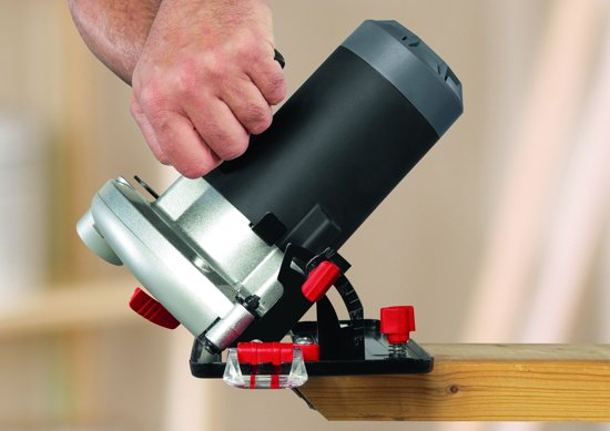 Skil 5665AA Cirkelzaag - 1250 Watt - 65 mm zaagdiepte - Met hardmetalen zaagblad en parallelgeleider