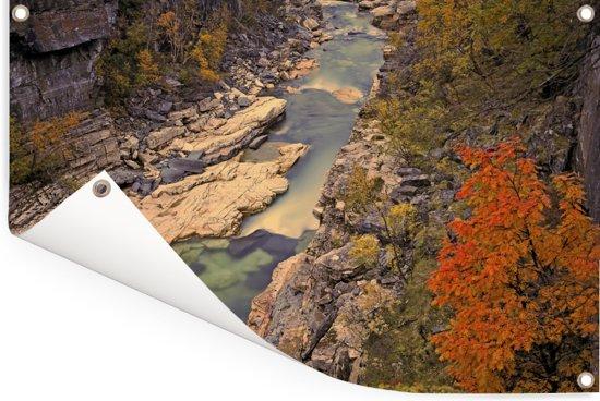 Luchtfoto van een rivier en rotsen in het Nationaal park Abisko Tuinposter 60x40 cm - klein - Tuindoek / Buitencanvas / Schilderijen voor buiten (tuin decoratie)