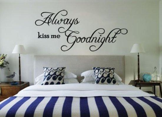 Muurstickers Slaapkamer Tekst : Bol.com always kiss me goodnight muursticker voor 23:59 uur