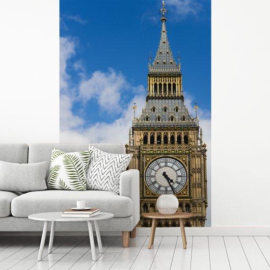 Fotobehang vinyl - Close up van de klokkentoren van de Big Ben in Londen breedte 175 cm x hoogte 260 cm - Foto print op behang (in 7 formaten beschikbaar)