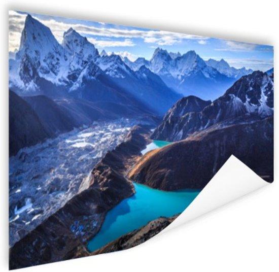 Himalaya landschap met water Poster 180x120 cm - Foto print op Poster (wanddecoratie) / Natuur Poster XXL / Groot formaat!