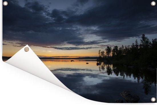 Zonsondergang bij het Nationaal park Hamra in Zweden Tuinposter 180x120 cm - Tuindoek / Buitencanvas / Schilderijen voor buiten (tuin decoratie) XXL / Groot formaat!