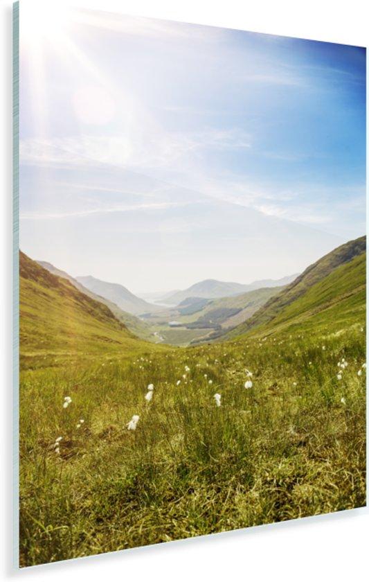 Schitterende grasvlakte met een mooi uitzicht in Glen Coe Plexiglas 120x180 cm - Foto print op Glas (Plexiglas wanddecoratie) XXL / Groot formaat!
