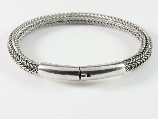 Ronde gevlochten zilveren armband met kliksluiting - pols 18 cm.