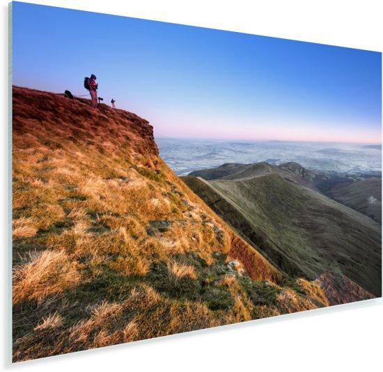 Het Pen y Fan gebergte in het Nationaal park Brecon Beacons in Engeland Plexiglas 90x60 cm - Foto print op Glas (Plexiglas wanddecoratie)