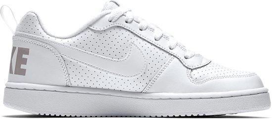Nike Court Borough Low Sneakers Junior Sportschoenen Maat 36.5 Unisex wit