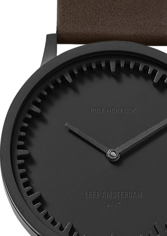 Tube watch T32 black / brown leather strap