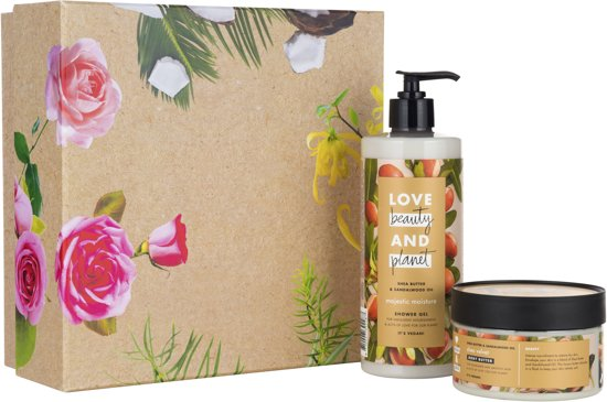 Love Beauty and Planet Luxe Geschenkset - Shea Butter & Sandalwood - Kerstcadeau