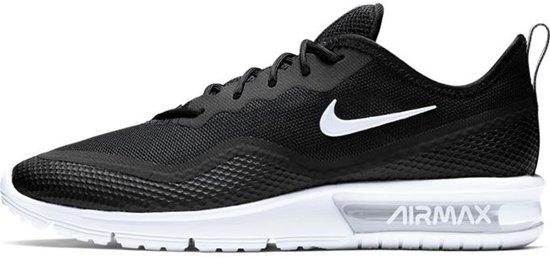 Nike Air Max Sequent 4.5 Sneakers Maat 40 Vrouwen zwartwit