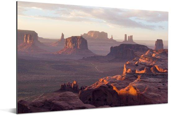 Monument Valley uitzicht vanaf het punt Hunts Mesa Aluminium 90x60 cm - Foto print op Aluminium (metaal wanddecoratie)