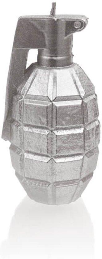 Zilver gelakte figuurkaars, design: Granaat  Hoogte 11 cm (12 uur)