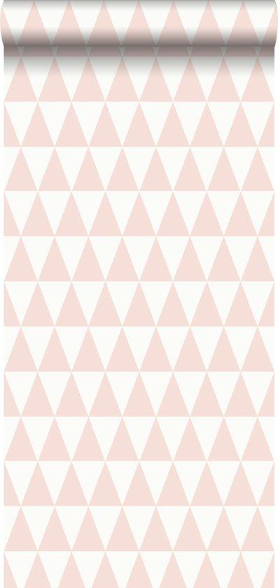 1cb262d5388c7d krijtverf eco texture vliesbehang grafisch geometrische driehoek perzik roze  - 148670 ESTAhome.nl