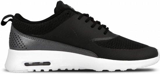 Nike Air Max Thea Sneakers Dames Sportschoenen Maat 37.5 Vrouwen zwartwit