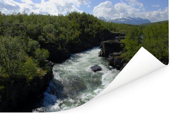 Woeste bergstroom in het Nationaal park Abisko in Zweden Poster 60x40 cm - Foto print op Poster (wanddecoratie woonkamer / slaapkamer)