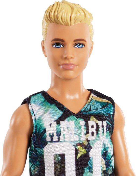 Barbie Ken Fashionistas Game Sunday - Barbiepop