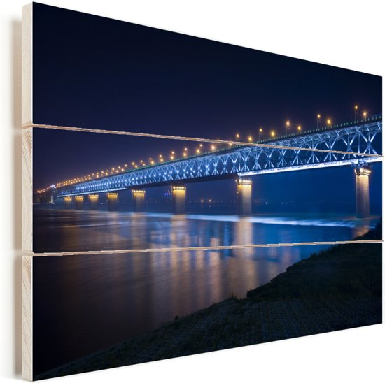 Blauw gekleurde Wuhan-Yangtze-brug in de nacht in Wuhan Vurenhout met planken 30x20 cm - klein - Foto print op Hout (Wanddecoratie)