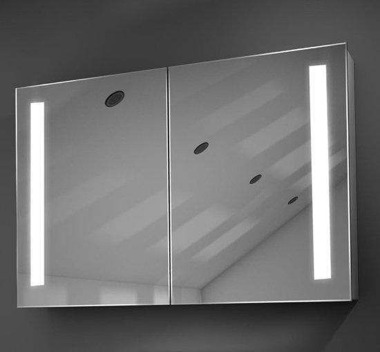 luxe spiegelkast met verlichting verwarming en scheerstopcontact 90 cm