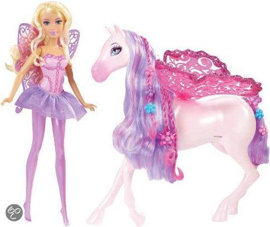 barbie fee en pegasus sprookjespaard barbie pop