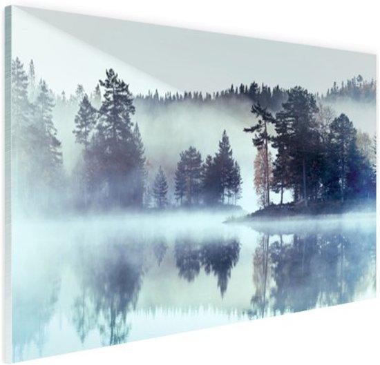 FotoCadeau.nl - Mistig landschap  Glas 90x60 cm - Foto print op Glas (Plexiglas wanddecoratie)