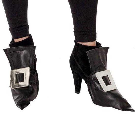 Heksen schoen cover zwart skai leer met zilveren gesp