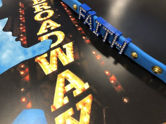 Colori 4 BRA10089 Siliconen Armband met Tekst Faith - Goudkleurig / Blauw