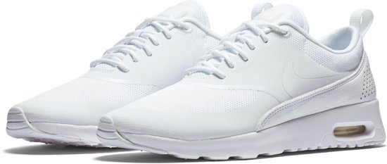 99338a2cb9e Nike Air Max Thea Sneakers Dames Sportschoenen - Maat 38.5 - Vrouwen - wit