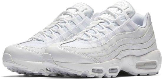 Nike Air Max 95 Sneakers - Maat 38.5 - Vrouwen - wit