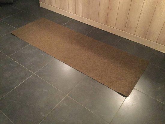Bol loper voor keuken of gang bruin tapijtloper